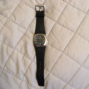 DKNY BLACK LEATHER BAND WATCH